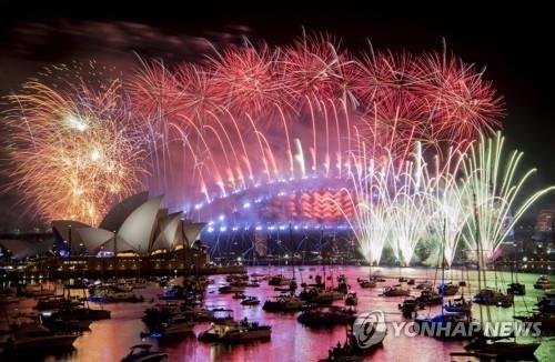호주 시드니항 불꽃축제[로이터=연합뉴스]